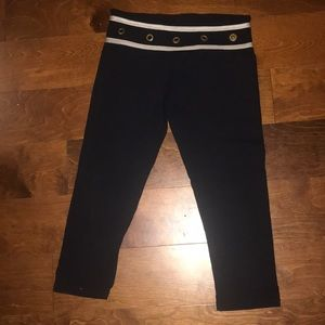 Luxe Yoga Capri legging Gloss Army